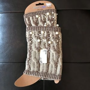 boot cuffs with gorgeous pearls